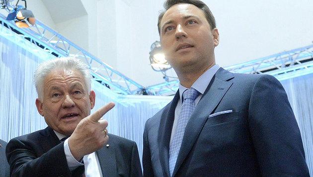 Werden eine Koalition bilden: OÖ-Landeshauptmann Josef Pühringer und FPÖ-Chef Manfred Haimbuchner (Bild: APA/EPA/HELMUT FOHRINGER)