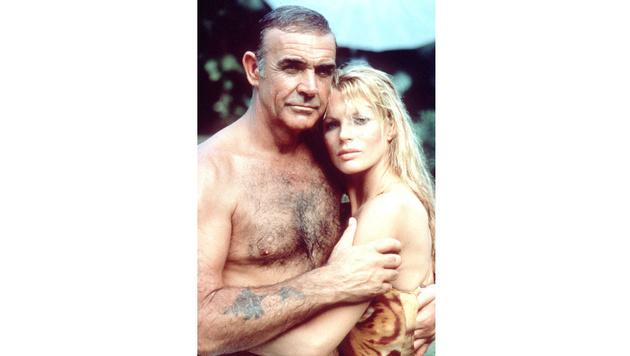 """Bei ihr wurde nicht nur Sean Connery schwach: Kim Basinger als Domino Petachi in """"Sag niemals nie"""" (Bild: Viennareport)"""