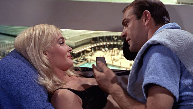 "Shirley Eaton als Bond-Girl Jill Masterson in ""Goldfinger"" (Bild: Viennareport)"