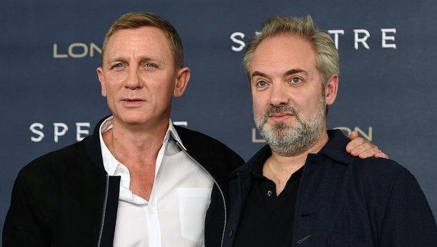 Daniel Craig und Sam Mendes (Bild: APA/EPA/FACUNDO ARRIZABALAGA)