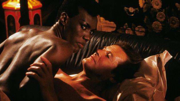 """Grace Jones versuchte 007 Roger Moore als May Day in """"Im Angesicht des Todes"""" zu töten. (Bild: face to face)"""