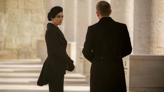 Monica Bellucci verführt im neuen Bond Daniel Craig als Lucia Sciarra. (Bild: Sony)