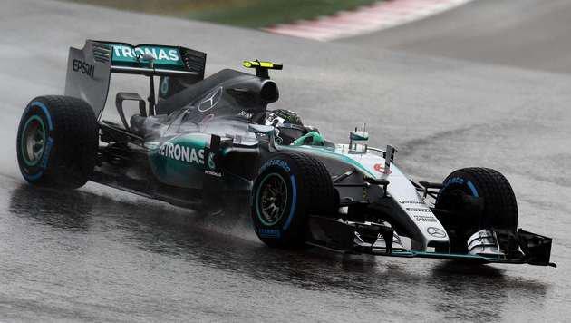 Nico Rosberg holt in Chaos-Quali die Poleposition (Bild: AFP)