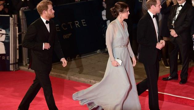 Prinz Harry, Prinz William, Kate (Bild: AFP)