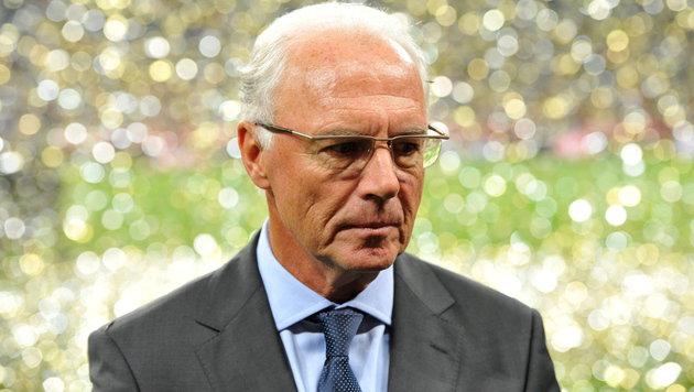 WM-Affäre: FIFA ermittelt gegen Beckenbauer & Co. (Bild: APA/EPA/MARC MUELLER)