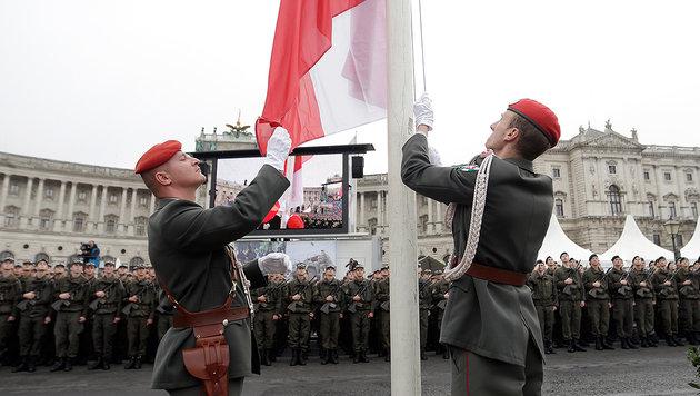 Nationalfeiertag im politischen Nebel (Bild: APA/Georg Hochmuth)