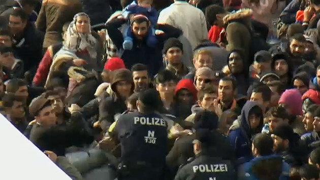 Durch das rasche Einschreiten der Polizei konnte Schlimmeres verhindert werden. (Bild: tvthek.orf.at)
