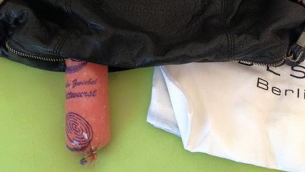 Zalando verschickt versehentlich Wurst an Kundin (Bild: facebook.com/Isabell Ce)