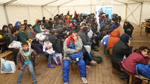 Heuer bereits rund 11.000 Asylanträge (Bild: Jürgen Radspieler)