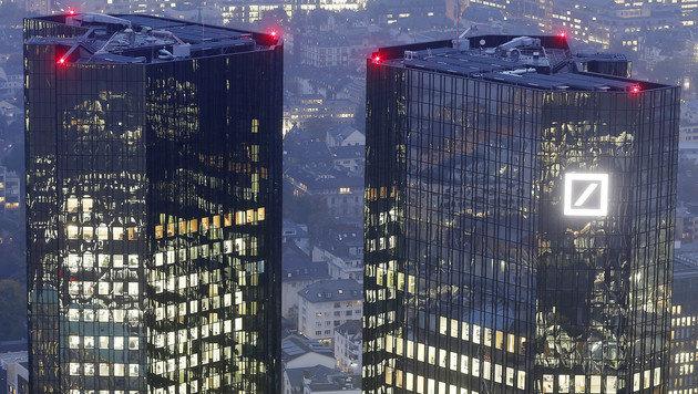 Das Hauptquartier der Deutschen Bank in Frankfurt (Bild: AP)