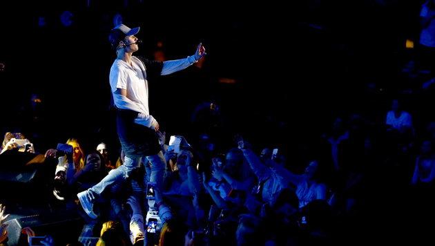 Justin Bieber bricht Konzert nach einem Song ab (Bild: APA/EPA/HEIKO JUNGE)
