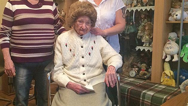 Katharina Zimmermann feiert ihren 106. Geburtstag. (Bild: Erich Schönauer)