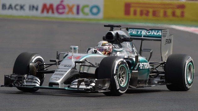 Lewis Hamilton stänkert gegen Michael Schumacher (Bild: APA/AFP/ALFREDO ESTRELLA)