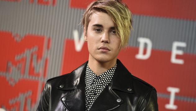 Justin Bieber kann den legendären Rubik's-Würfel in einer Minute und 23 Sekunden lösen. (Bild: Jordan Strauss/Invision/AP)