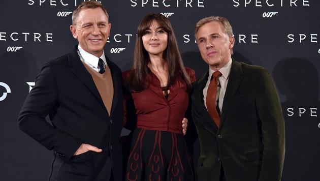 "007 Daniel Craig, ""Bond-Lady"" Monica Bellucci und Bond-Bösewicht Christoph Waltz (Bild: APA/EPA/ETTORE FERRARI)"