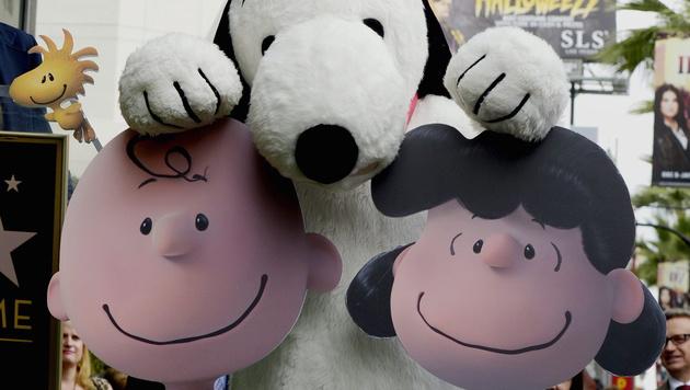 Snoopy mit Charlie Brown und Lucy (Bild: APA/EPA/MIKE NELSON)