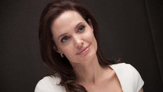 Angelina Jolie ist im Messerwerfen trainiert. (Bild: Viennareport)