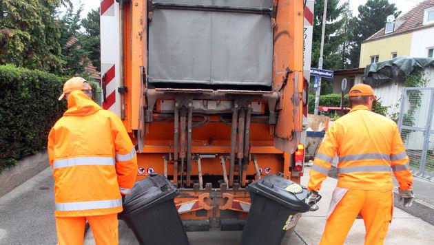 Arbeiter (54) von Müllauto eingeklemmt - tot (Bild: Andi Schiel (Symbolbild))
