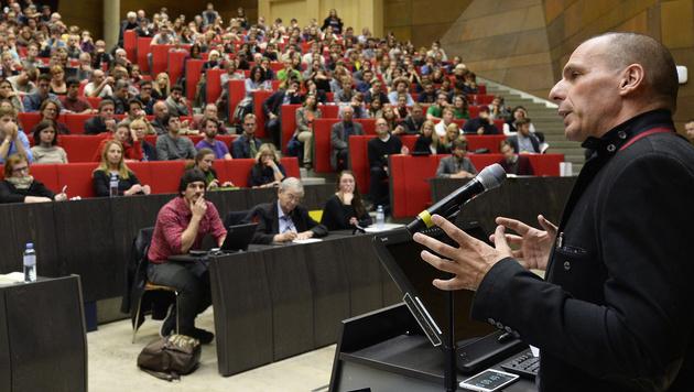 """Ökonomie-Rockstar"" Yanis Varoufakis in Wien (Bild: APA/ROBERT JAEGER)"