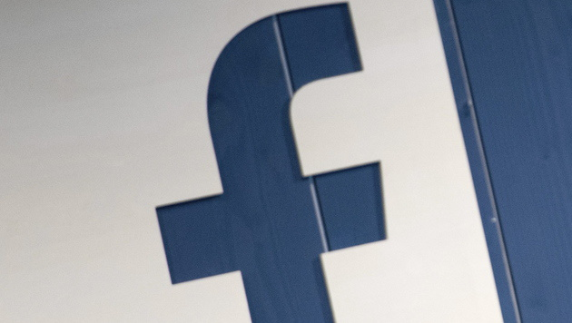 Facebook will Videos auf TV-Bildschirme bringen (Bild: APA/EPA/DANIEL REINHARDT)