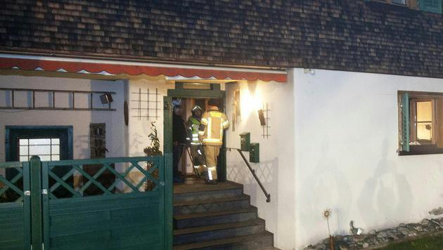 In diesem Haus wurde die schwangere 28-Jährige tot aufgefunden. (Bild: APA/DIETMAR MATHIS)