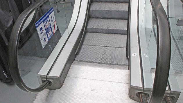 Kärntner Schülerin auf Rolltreppe betatscht (Bild: Martin A. Jöchl (Symbolbild))