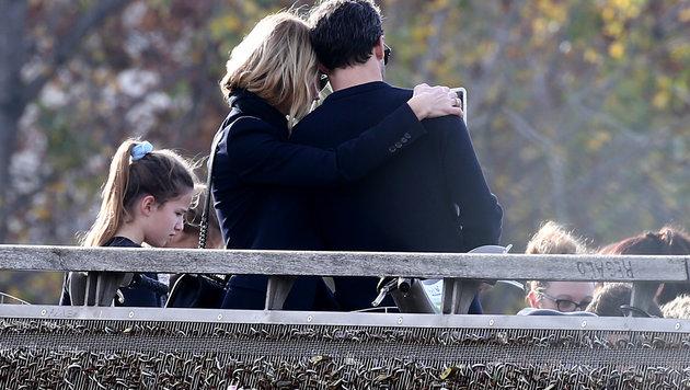 Patrick Dempsey und Jillian besuchten ganz romantisch die Pont des Arts. (Bild: Viennareport)