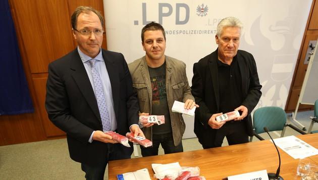 Die Ermittler bei der Pressekonferenz (Bild: Gerhard Bartel)