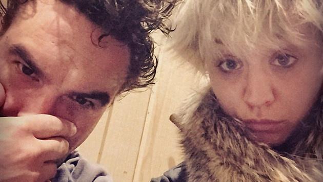 "Kaley Cuoco mit ""Big Bang Theory""-Kollege Johnny Galecki (Bild: Viennareport)"