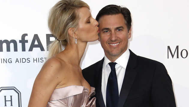 Karolina Kurkova mit ihrem Mann Archie Drury (Bild: APA/EPA/IAN LANGSDON)