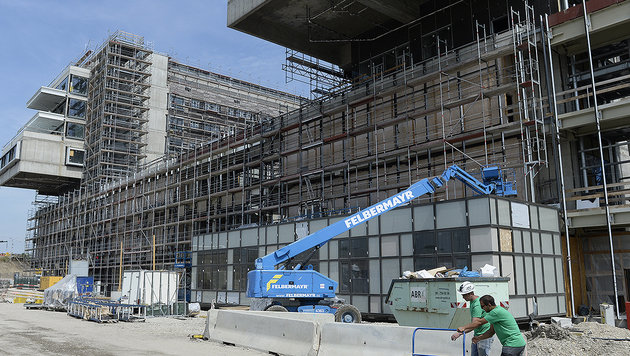 Nächste teure Verzögerung beim Krankenhaus Nord (Bild: APA/ROBERT JAEGER)
