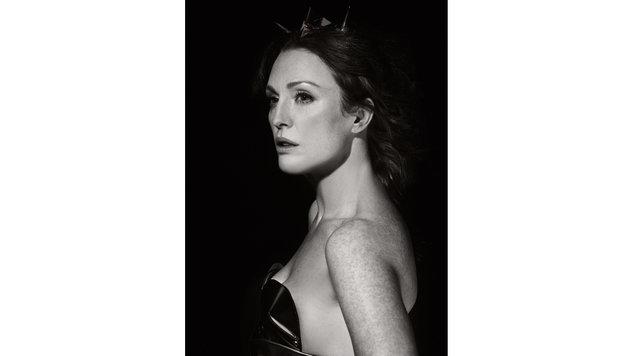 Als Göttin posierte Julianne More für den Pirelli-Kalender. (Bild: EPA)