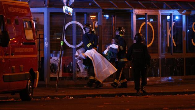 90 Menschen kamen allein beim Anschlag auf das Konzerthaus Bataclan ums Leben. (Bild: APA/EPA/YOAN VALAT)