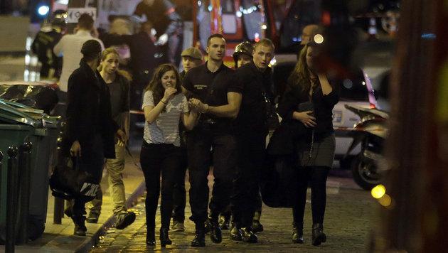 Terror-Wahnsinn in Paris: Europa im Schockzustand! (Bild: APA/AFP/KENZO TRIBOUILLARD)