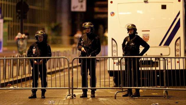 Terror-Wahnsinn in Paris: Europa im Schockzustand! (Bild: APA/AFP/MATTHIEU ALEXANDRE)