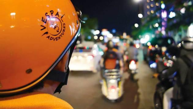 Besonderer Nervenkitzel: Vespa-Tour durch das Nachtleben Saigons (Bild: Franziska Trost)