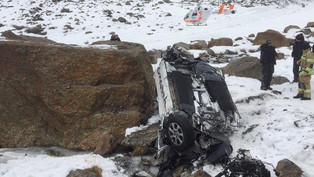 Das Auto wurde bei dem Absturz völlig zerstört. (Bild: Zoom-Tirol)