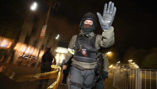 Das war der blutige Plan der Hannover-Terroristen! (Bild: APA/EPA/CHRISTIAN CHARISIUS)
