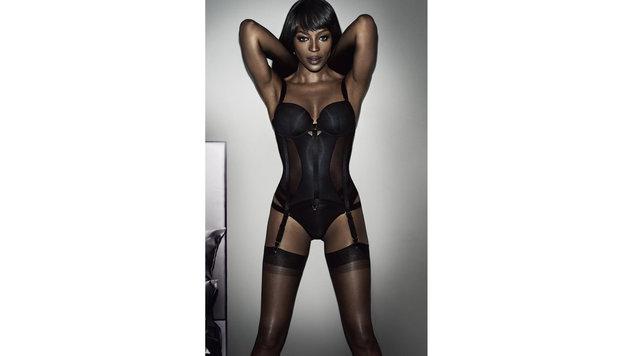 Naomi Campbell präsentiert ihre erste Dessouslinie. (Bild: Viennareport)