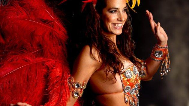"""Im Samba-Kostüm macht Nina Hartmann eine gute Figur: Beste Voraussetzung für """"Dancing Stars""""! (Bild: © Foto: Luis Casanova)"""