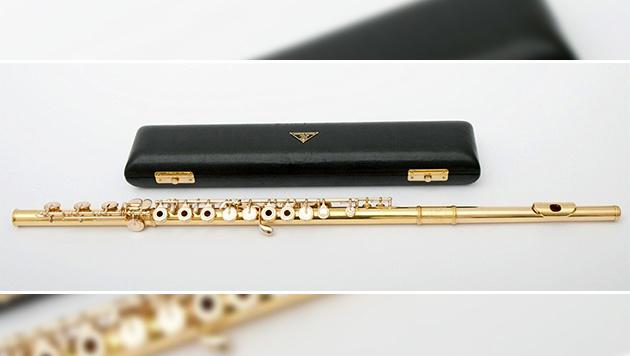 Diese goldene Querflöte wurde dem Musiker gestohlen. (Bild: APA/POLIZEI)
