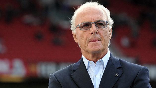 Beckenbauer löst Vertrag mit Bezahlsender Sky auf (Bild: APA/AFP/PATRIK STOLLARZ)
