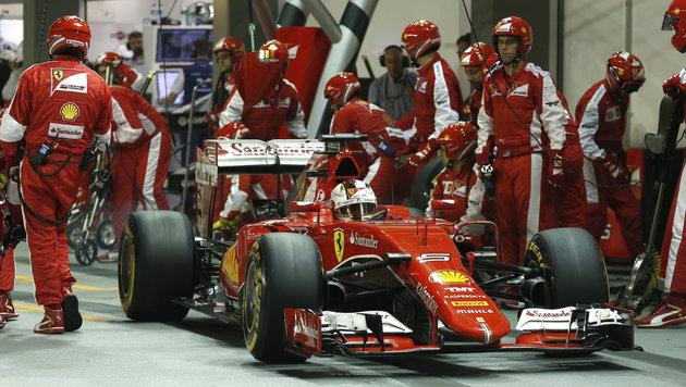 Formel 1: 2016 wieder mehr Boxenstopps? (Bild: APA/EPA/OLIVIA HARRIS / POOL)