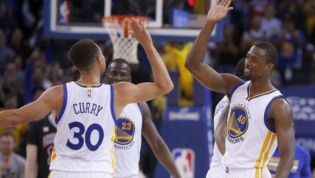 Golden State fehlt nur noch ein Sieg zu NBA-Rekord (Bild: AP)