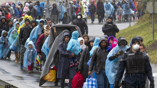 Sechs Fragen zu den Flüchtlingsströmen (Bild: APA/ERWIN SCHERIAU)