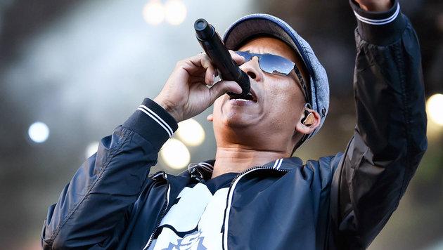 Xavier Naidoo fährt doch nicht zum Song Contest (Bild: APA/EPA/UWE ANSPACH)