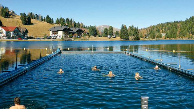 Das beheizte Schwimmbad im Turracher See ist angenehm temperiert. (Bild: Andrea Thomas)