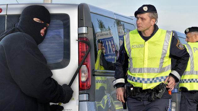 Asylkrise: Grenzkontrollen stoppen Einbrecher (Bild: APA/HERBERT NEUBAUER, thinkstockphotos.de)