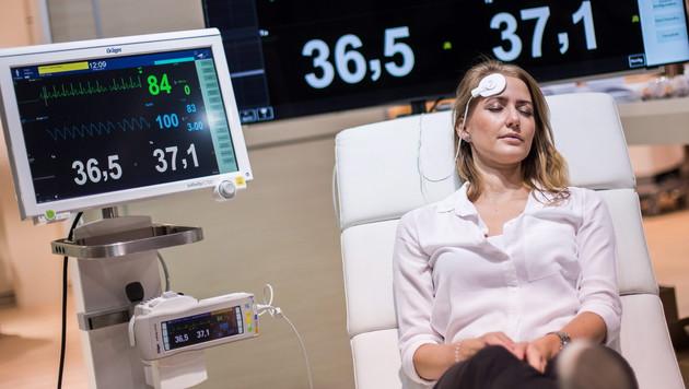Sensoren am Körper bald ganz selbstverständlich (Bild: APA/EPA/MAJA HITIJ)