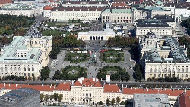 Heldenplatz-Umgestaltung kostet über 111 Mio. Euro (Bild: APA/HELMUT FOHRINGER)